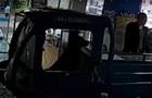 В Китае пес за рулем фургона врезался в магазин