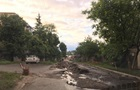 У Чугуєві злива знищила дорогу