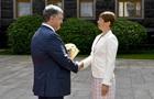 Порошенко проводить переговори з президентом Естонії