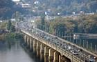 У Києві до кінця літа обмежили рух по мосту Патона