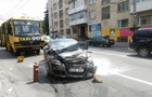 У Тернополі зіткнулися три легкових авто і дві маршрутки