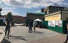 Активисты устанавливают палатки на Почтовой площади в Киеве