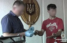 На Вінничині двоє хлопців убили знайомого, аби подивитися на нутрощі