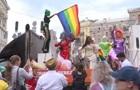 Под Радой митингуют противники ЛГБТ-маршей