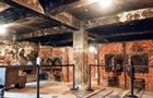 В Польше туристов оштрафовали за попытку украсть кирпичи из Освенцима