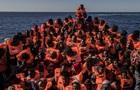 Італія дозволила висадити на берег 450 врятованих мігрантів