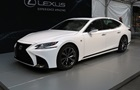 Час електромобілів ще не настав - Lexus