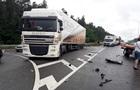 Під Києвом Ford врізався у вантажівку: двоє загиблих