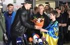Усик повернувся до Києва: Після бою ще не спав