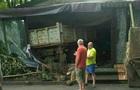 У Києві вантажівка в їхала в кафе, водій втік