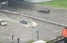 В Киеве ливень подтопил дороги