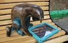 В Одесі вкрали пам ятник коту-геймеру
