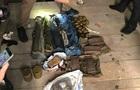 У гаражі Києва знайшли арсенал нелегальної зброї