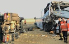 Во Франции грузовик врезался в автобус с детьми, есть пострадавшие