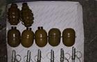 В гараже у жителя Днепра нашли склад оружия и боеприпасов