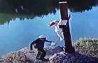 Хасиды в Умани подрались с местными жителями и подожгли крест