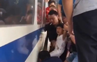 Трирічну дівчинку врятували з-під поїзда
