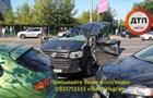 У Києві зіткнулися п ять авто
