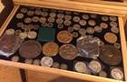 В Одесі в затриманого митника знайшли колекцію монет і картин