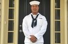 На борту авіаносця США загинув моряк