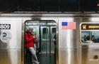 У метро Нью-Йорка обвалилася стеля