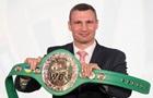 Кличко першим отримав пояс WBC з українським прапором