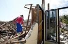 В Индонезии через три дня после землетрясения нашли выживших под завалами