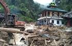 Десятки людей загинули через обвалення школи в Індонезії