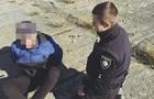 Во Львове патрульные и прохожий спасли мужчину от самоубийства