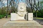 У Варшаві знесли пам ятник Подяки радянським солдатам