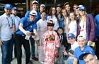 Девушка-робот провела для украинских студентов чайную церемонию на выставке в Токио