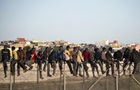 Сотни мигрантов штурмуют испанский анклав на севере Африки
