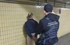 В Киеве задержали двух полицейских за взятку в $50 тысяч