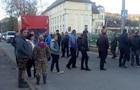 Во Львовской области местные перекрыли трассу к границе