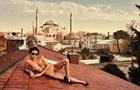 Модель Playboy оголилася в мусульманській святині