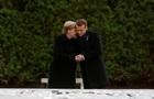 Меркель у Парижі прийняли за дружину Макрона