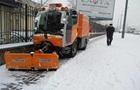 На боротьбу зі снігопадом у Києві вивели майже 300 одиниць техніки - КМДА