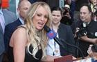 Адвоката порноактриси, яка судилася з Трампом, заарештували