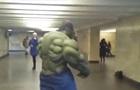 У київському метро зняли босоногого  Халка