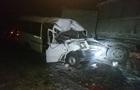 Под Ичней маршрутка столкнулась с КамАзом: десять пострадавших