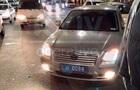 У Києві авто на поліцейських номерах збило пішохода