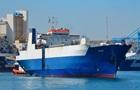 У Лівії звільнили із захопленого судна трьох українських моряків