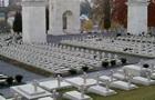 У Львові затримали вандалів біля польських військових поховань