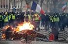 Протесты в Париже усиливаются. Макрон готовит речь