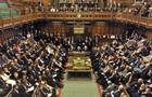 Парламент Британії збирається на термінові дебати