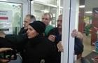 У київській клініці розгорівся конфлікт з радикалами