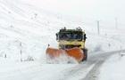 В Україні частину доріг замело снігом