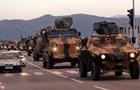 Туреччина стягує бронетехніку на кордон з Сирією