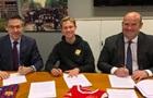 Барселона объявила о трансфере Де Йонга
