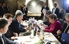 Порошенко и Меркель обсудили санкции за Азов